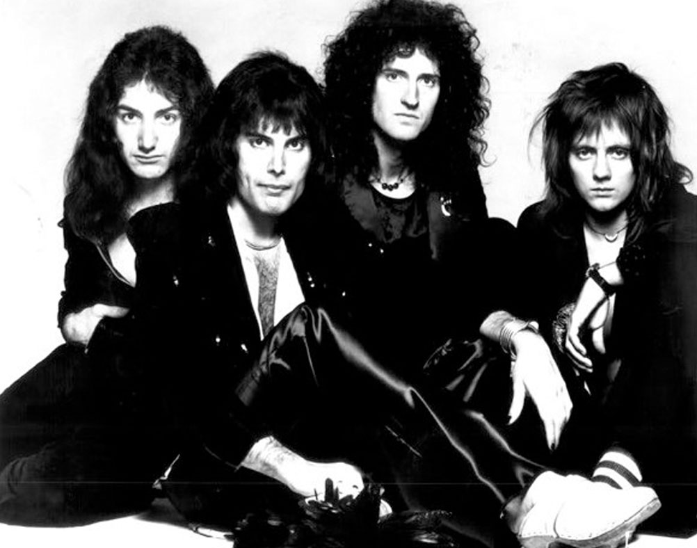 In the picture Freddie Mercury, Roger Taylor, Brian May and John Deacon.